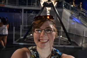 See... giddy school girl!  That's the front wheel of the Space Shuttle behind me!